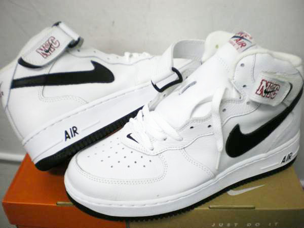 ナイキ NIKE AIR FORCE 1 304716 103
