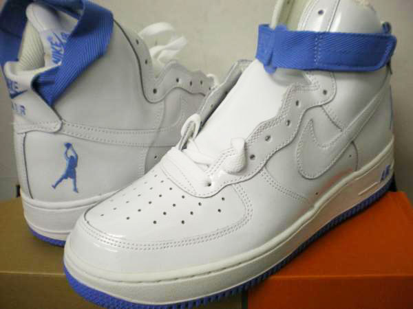 ナイキ NIKE AIR FORCE 1 SHEED 302640 111