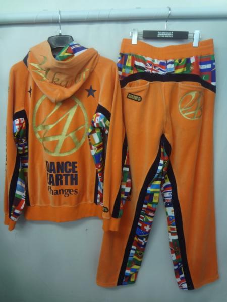 24karats DANCE EARTH ベロアジャージセットアップ (2)